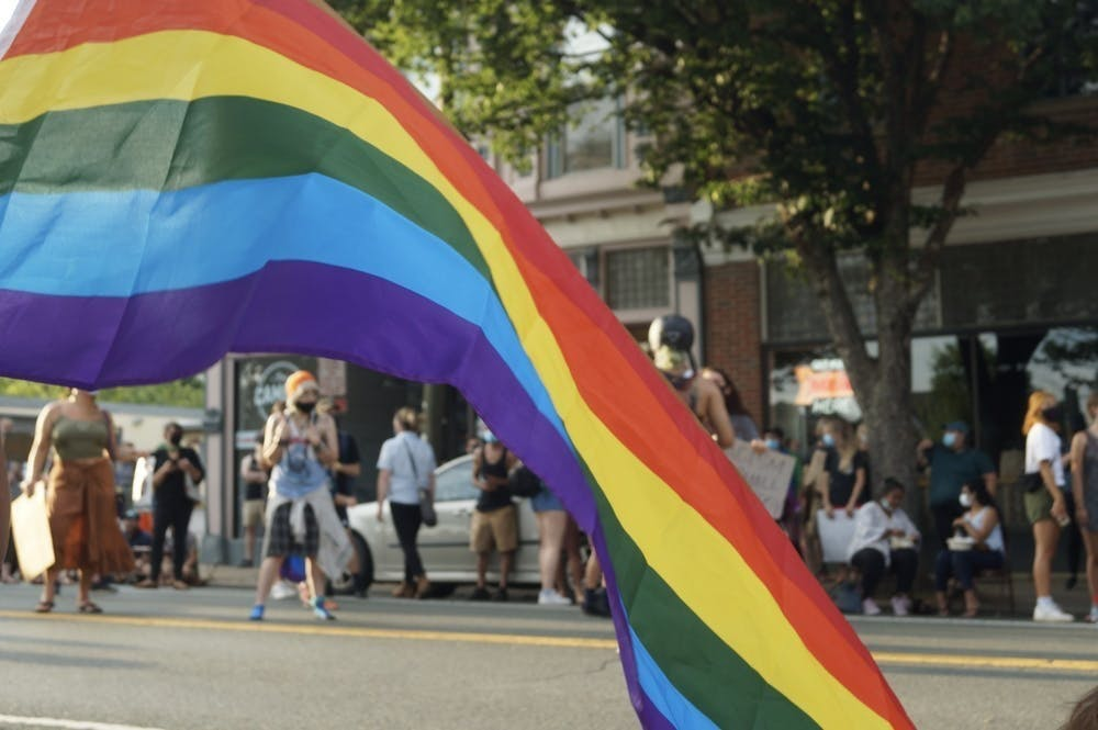 默认的性别和性取向是仇恨性少数群体的根基。
