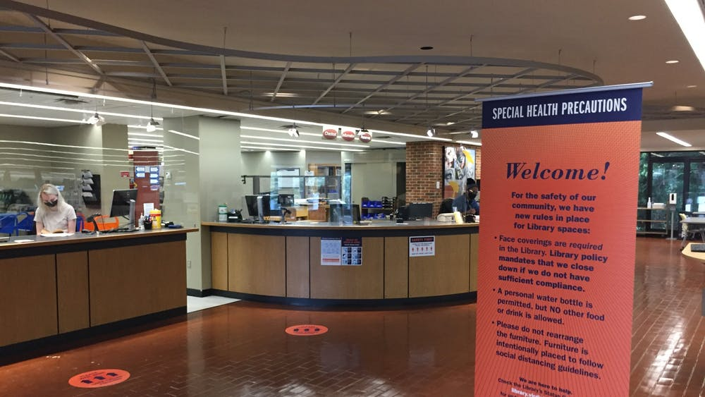 25 percent of the occupants in Clemons Library yesterday were not wearing masks throughout the afternoon, despite the University's policy mandating all students to wear masks in indoor spaces.