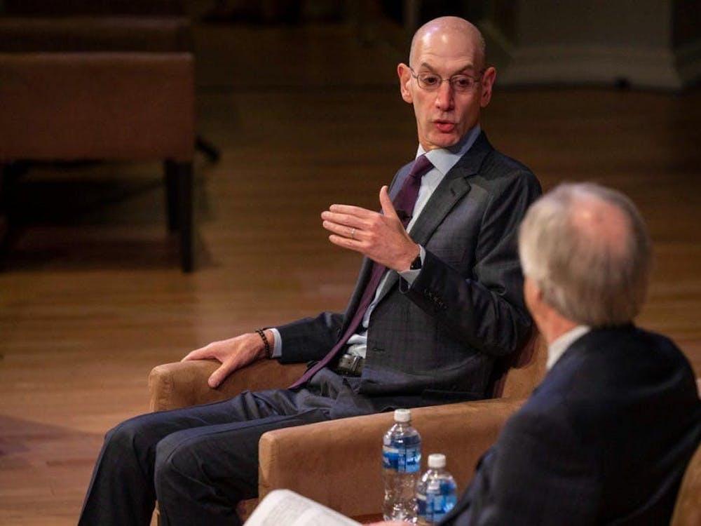 Adam Silver对话提到的问题之一是NBA最新与中国的争议
