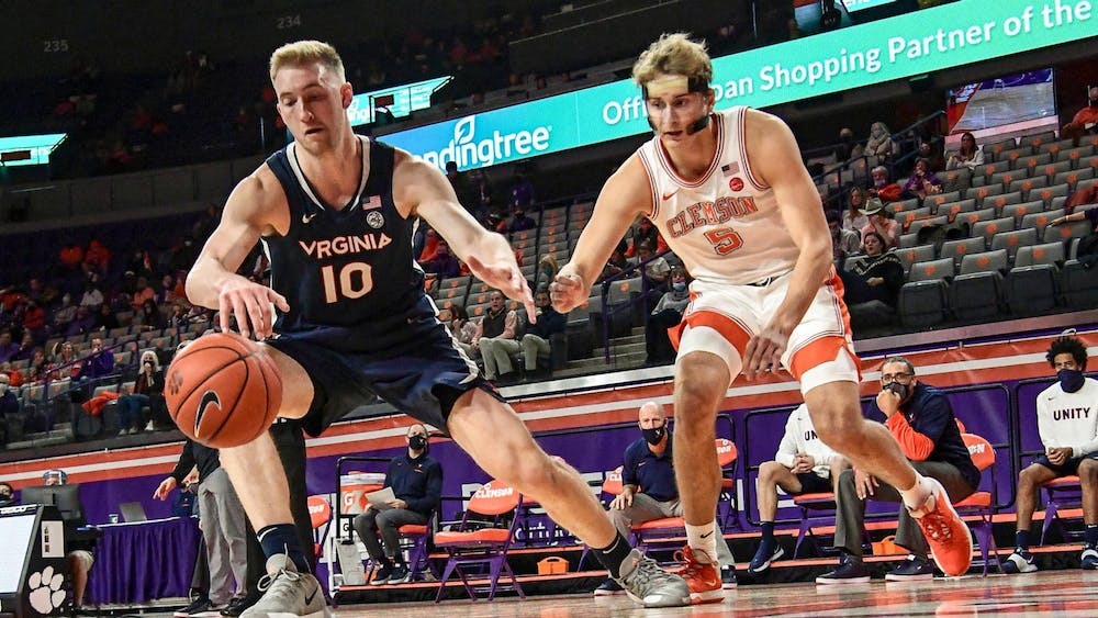 <p>Senior forward Sam Hauser led the way for Virginia with 14 points and eight rebounds.</p>
