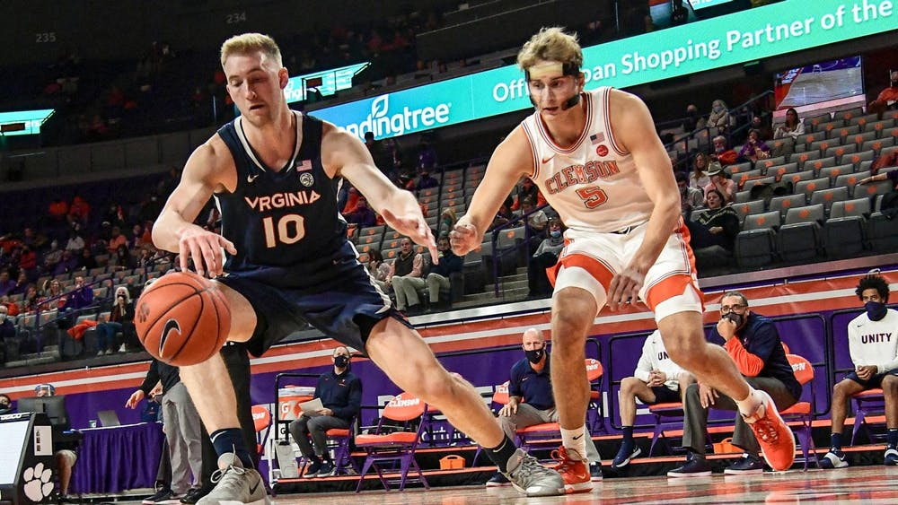 Senior forward Sam Hauser led the way for Virginia with 14 points and eight rebounds.