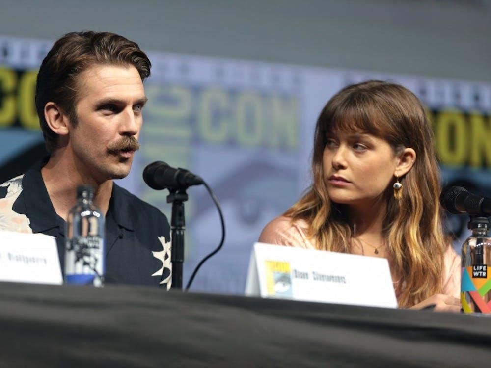 """""""Legion"""" actors Dan Stevens and Rachel Keller speak onstage at San Diego Comic Con in 2018."""