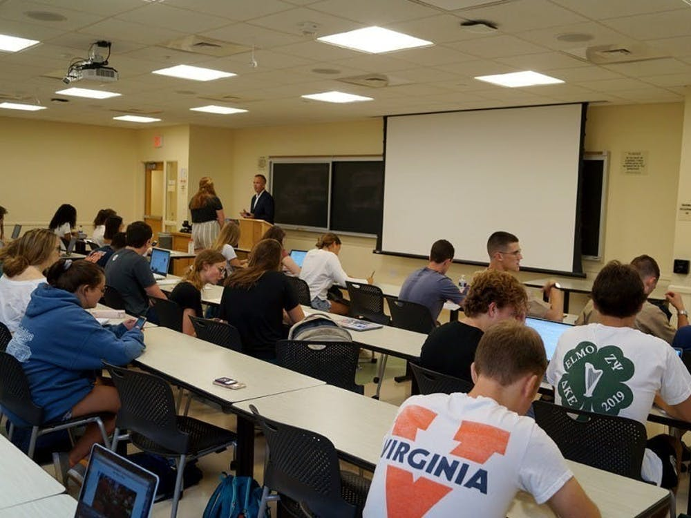 决定将需要未来的文理学院学生参加新课程