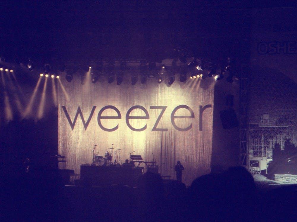 weezer-stage-osheaga-montreal-2010-08-01