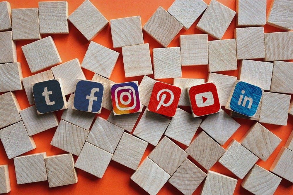 1920px-types-of-social-media