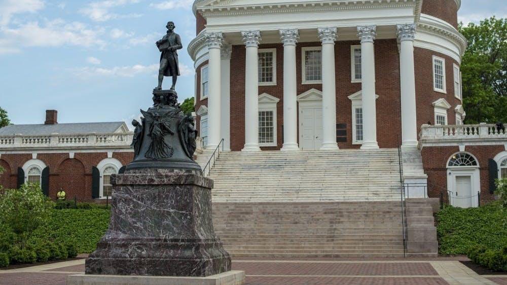 Se estima que 4.000 trabajadores esclavizados trabajaron en la Universidad de 1817 a 1865.