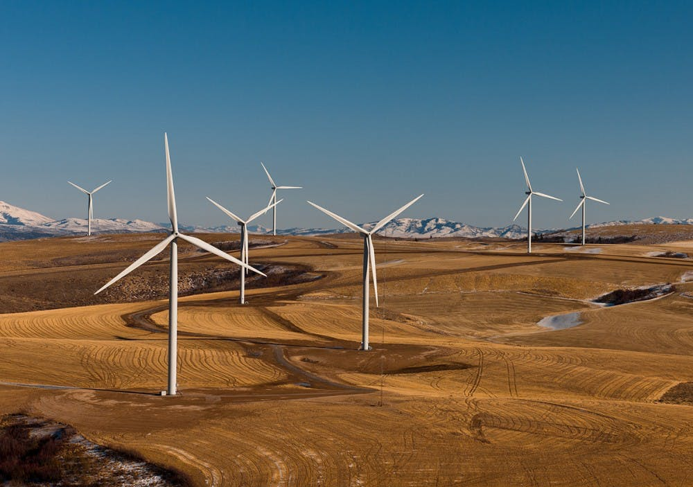 hs-WindTurbines-CourtesyWikimediaCommons