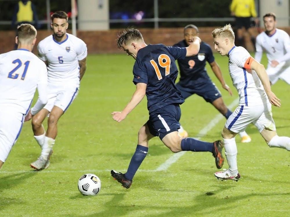 El centrocampista Nick Berghold anotó un crucial gol de último minuto contra Pittsburgh para empatar el partido 2-2 y forzar la prórroga.
