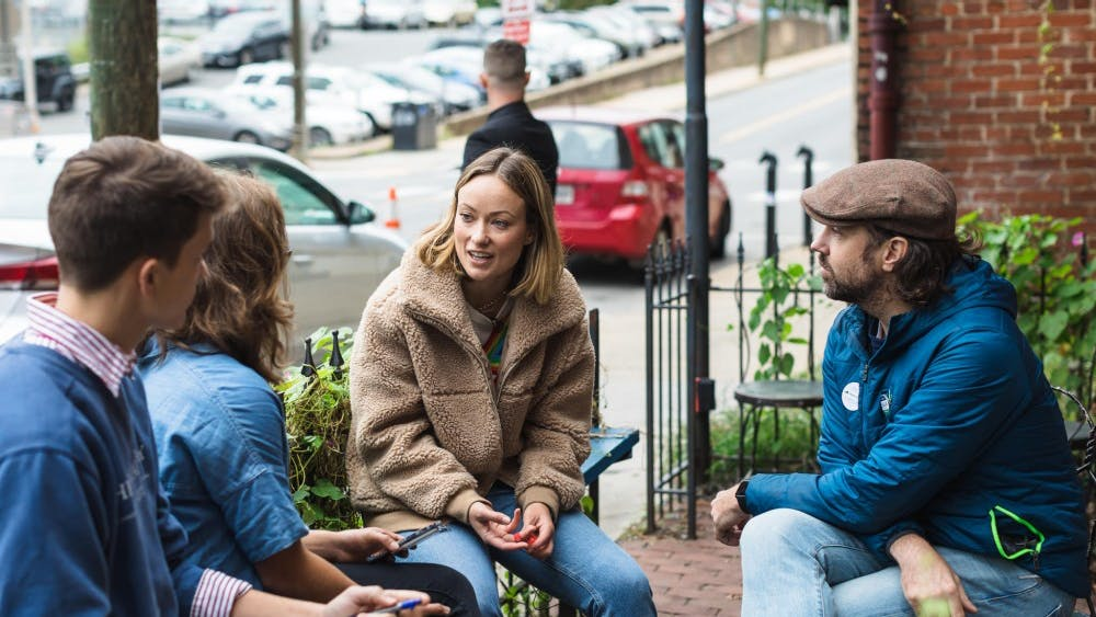 Olivia Wilde, actress and daughter of Leslie Cockburn, gave an interview alongside her fiancé and fellow actor Jason Sudeikis about the imminent election as part of a recent rally for the candidate.
