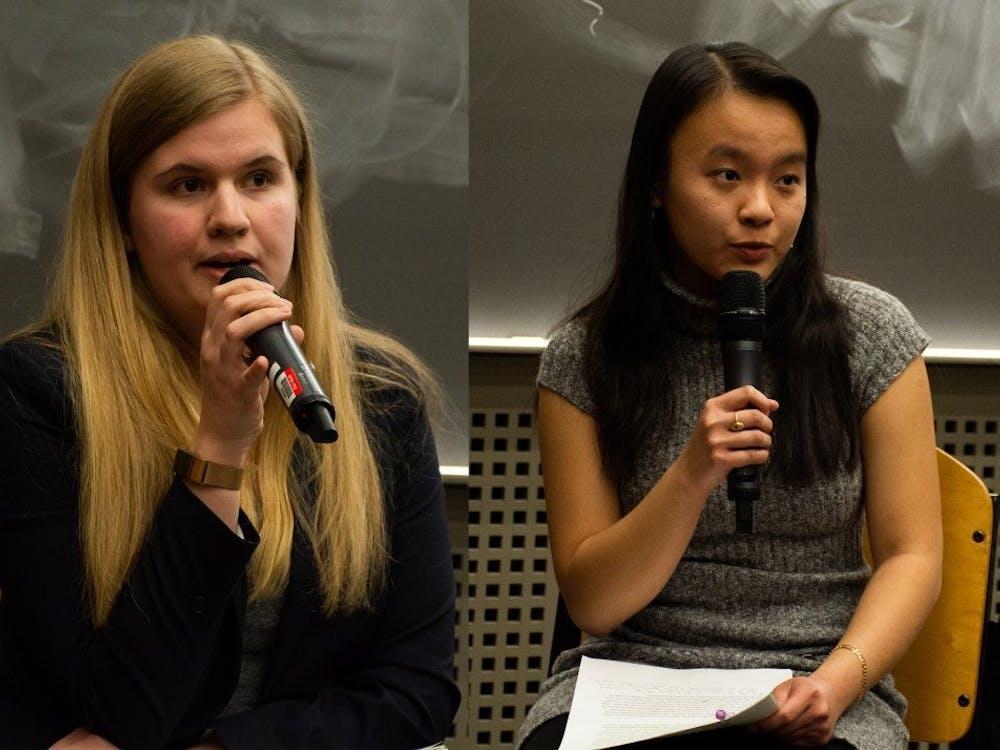 学生会主席候选人Ellie Brasacchio(左)和Arabella Lee(右)