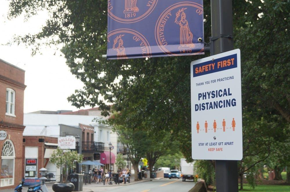 学生们仍然需要保持六英尺的社交距离,并且必须遵守其他所有学校政策,包括戴口罩。