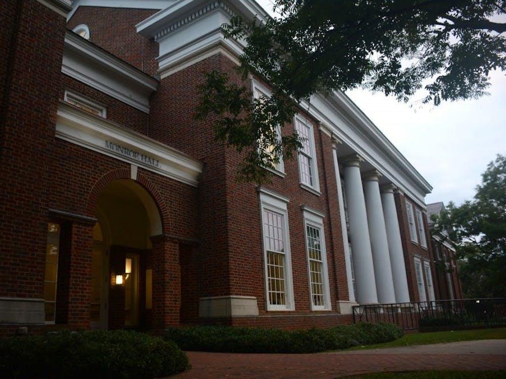 La Universidad debe, entre muchas cosas, exigir a los estudiantes que tomen un curso sobre igualdad racial y de género.