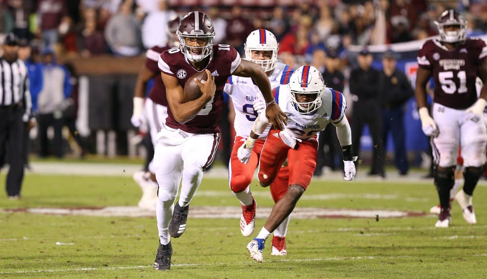 <p>Thompson has flourished when given the ability to scramble and make plays with his legs and should fit well into a Virginia offense that has thrived with dual-threat quarterbacks.</p>