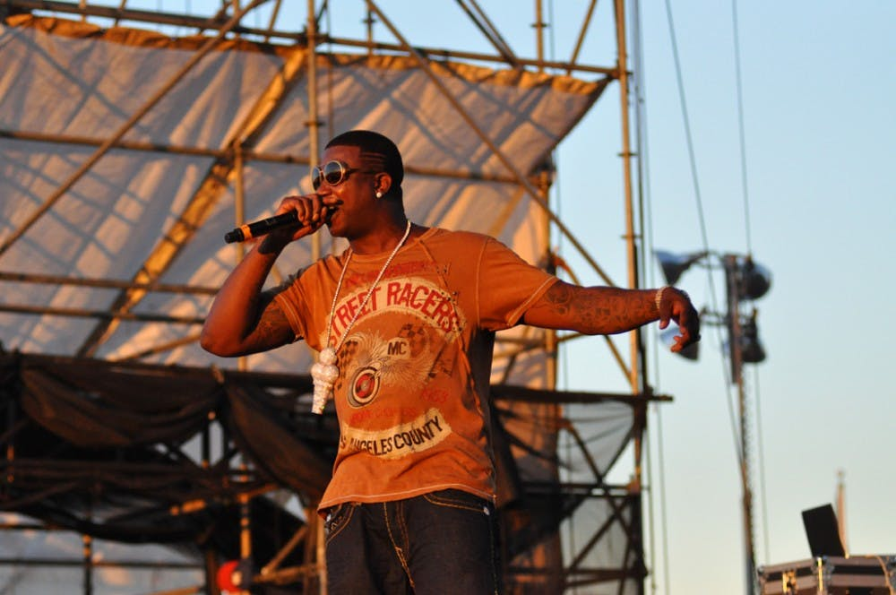 gucci-mane-performing-at-the-williamsburg-waterfront