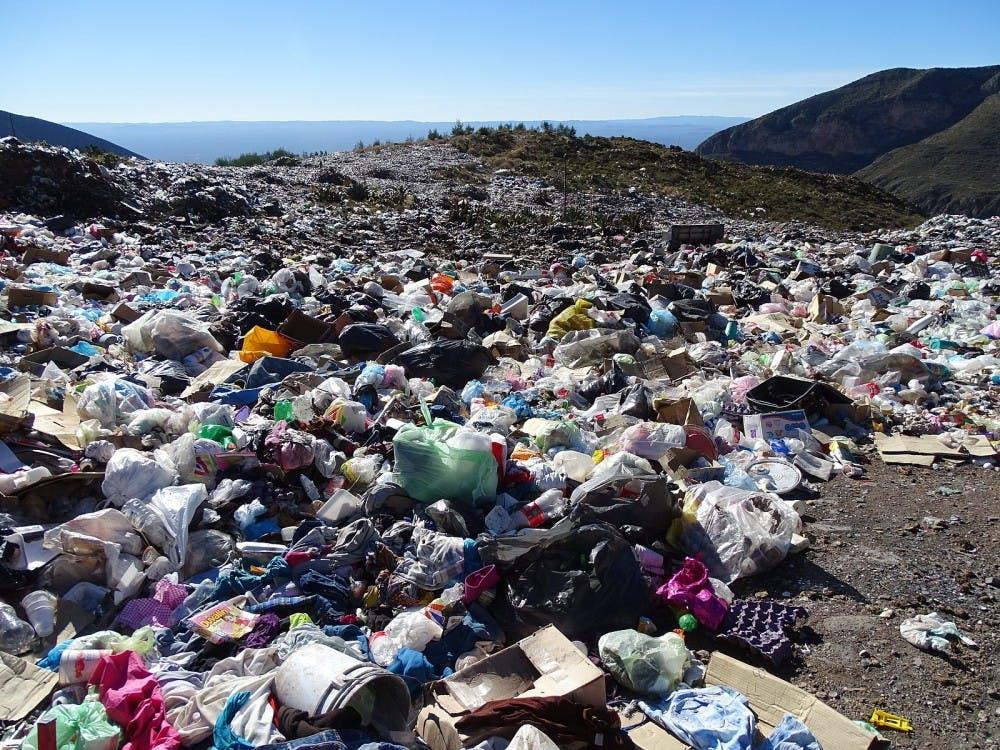 1600px-garbage-dump-outside-real-de-catorce-san-luis-potosi-mexico-31409361127