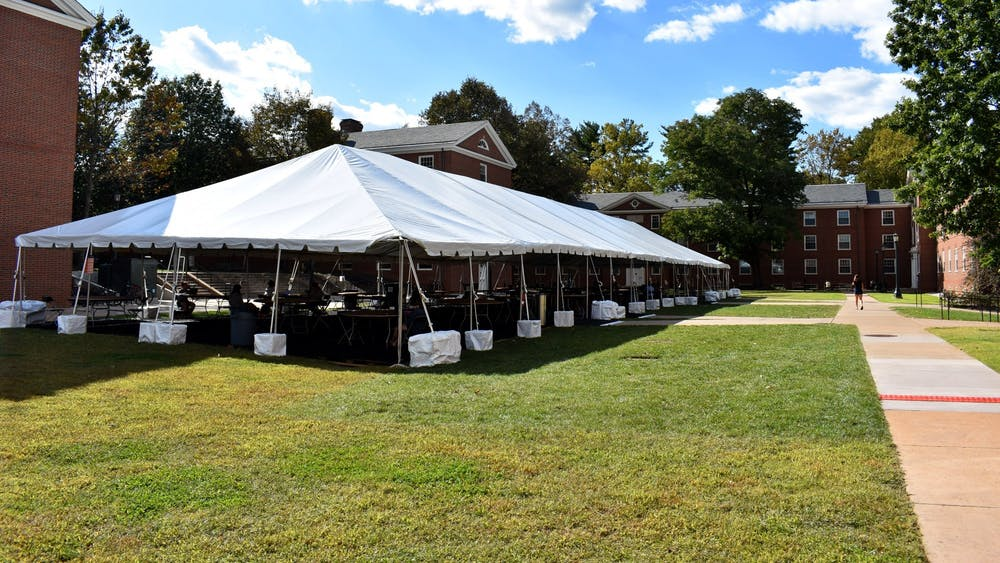 During your tour, the white tents are a sight not to be missed, even if you are short on time.
