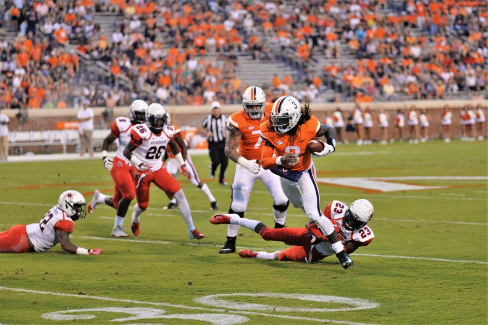 <p>Quarterback Bryce Perkins helped key Virginia's win with his speed, tallying two touchdowns and 108 yards rushing.</p>
