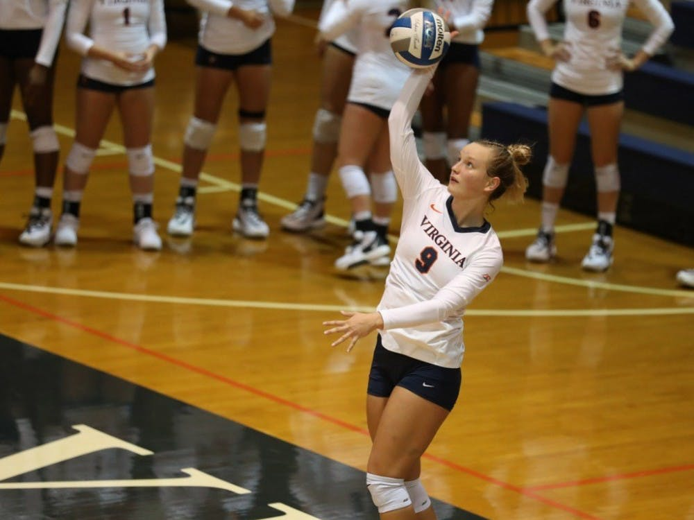 Freshman outside hitter Jayna Francis led Virginia with 10 kills against Pittsburgh.
