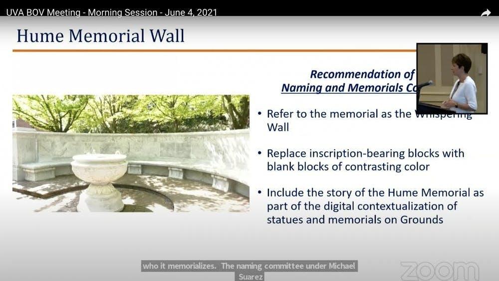 """En lugar de reemplazar la inscripción con bloques del mismo color, el Comité de Nombres y Memoriales señaló que los bloques contrastantes """"marcarán el cambio permanente que se ha hecho a [la] estructura""""."""