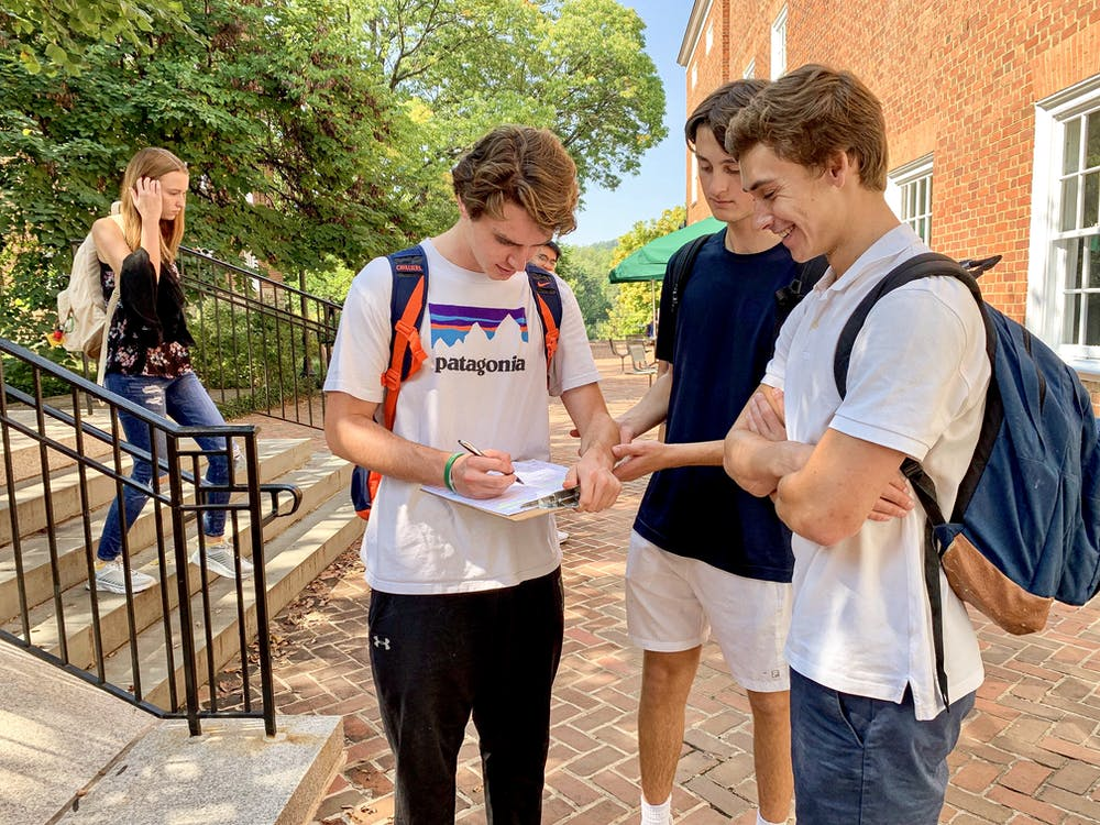<p>Members of UDems registered students to vote outside of Newcomb Tuesday.</p>