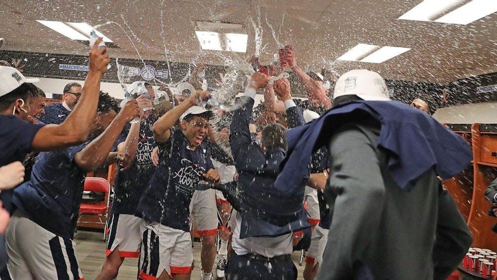 El equipo de baloncesto masculino de Virginia va su primer Final Four desde el 1984.