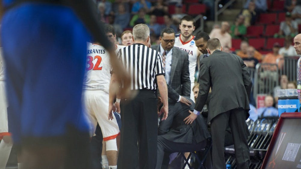 Virginia coach Tony Bennett blacked out late in the first half against Hampton. Bennett claimed it was due to dehydration.