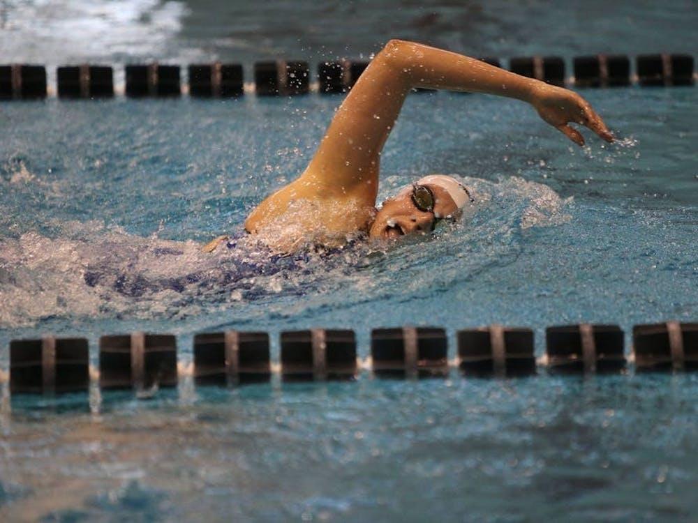 弗吉尼亚大学骑士队成为了有史以来第一支赢得NCAA女子游泳和跳水冠军的ACC队伍