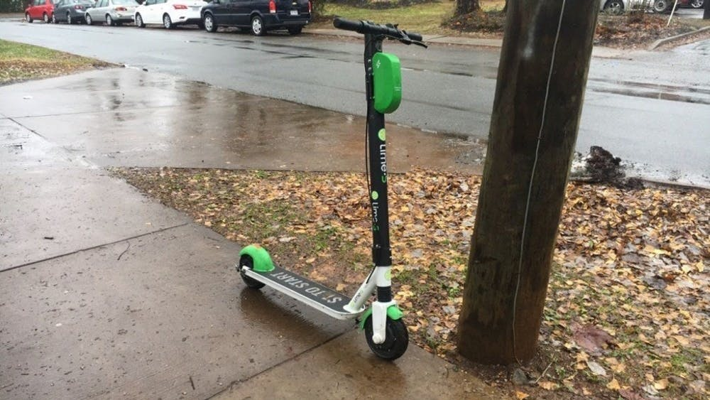 近月来,两家踏板册公司,Lime和Bird,在夏洛茨维尔市推行。
