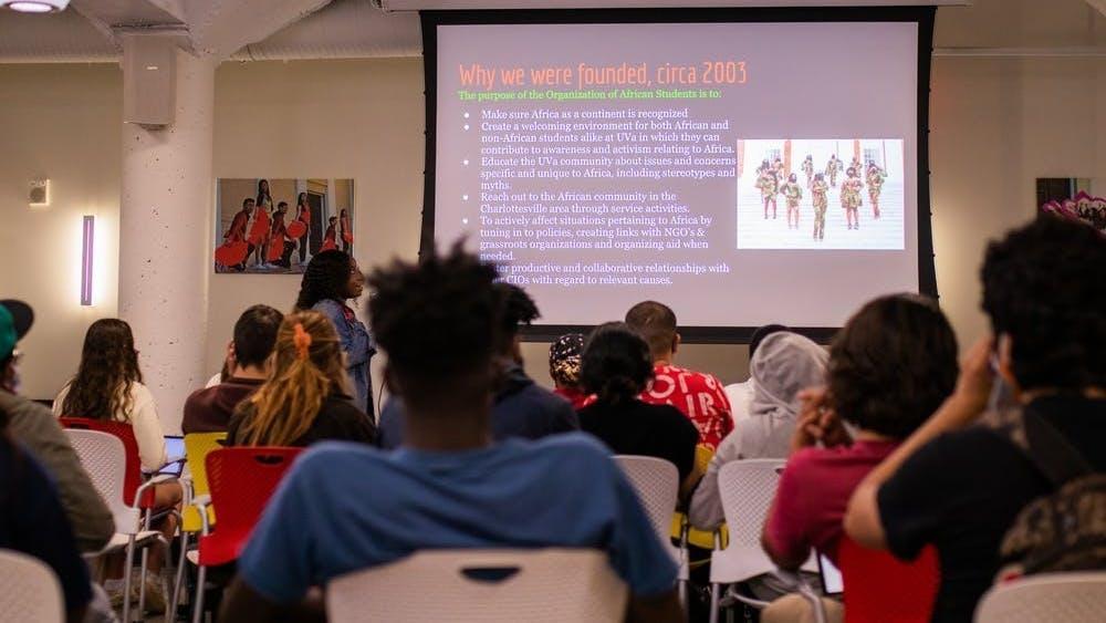 Johnson, una ghanesa-estadounidense de primera generación, ha estado involucrada con la OEA desde su primer año en la Universidad.