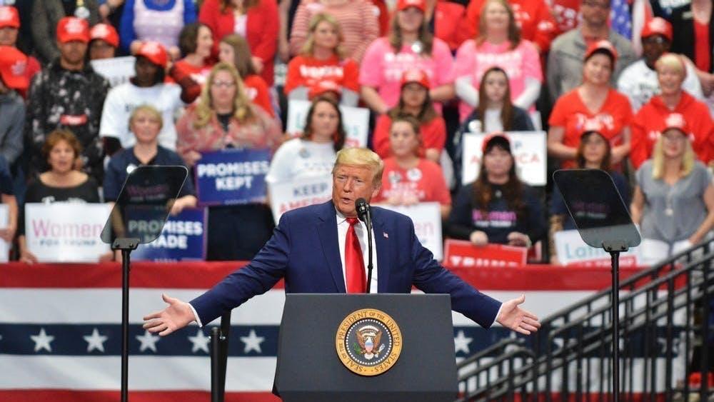 Trump anunció el lunes que está tomando el hydroxychloroquine desde hace una semana y media como una medida preventiva.