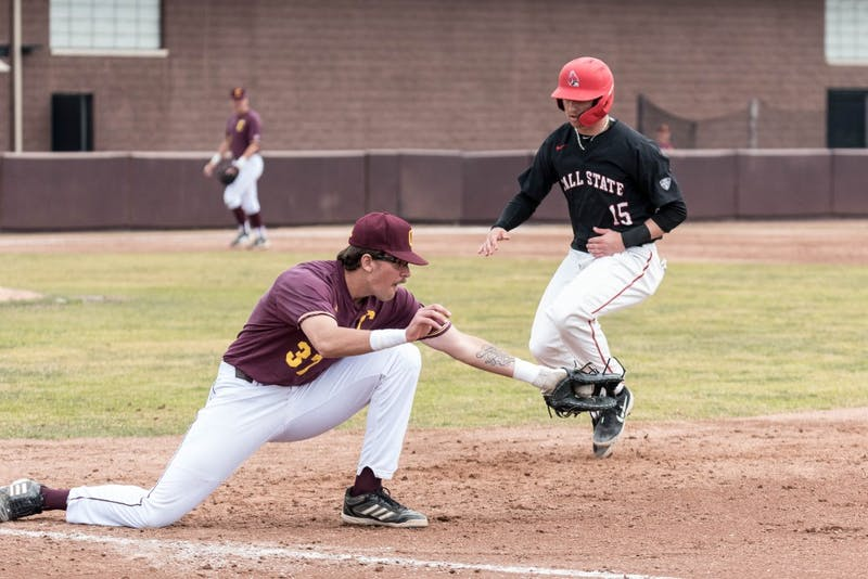 Men'sBaseballGame-April7-2.jpg