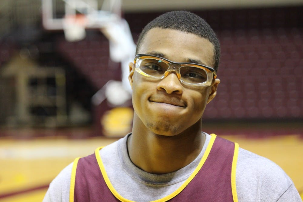 Shawn Roundtree - Goggles