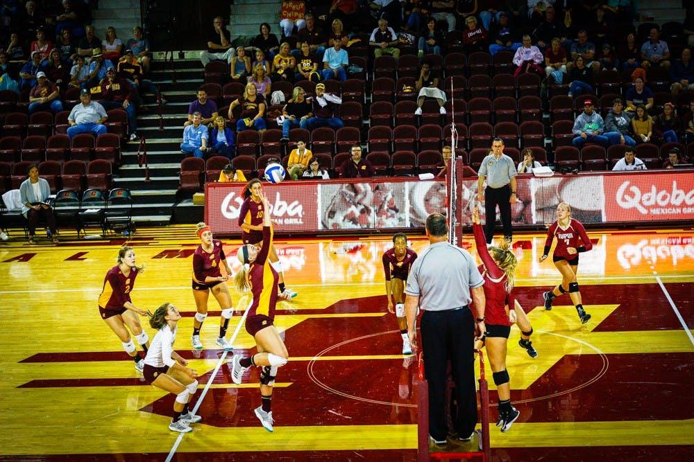 VolleyballVsIUPUI4704