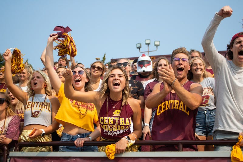 0911 football game - crowd features-9.jpg