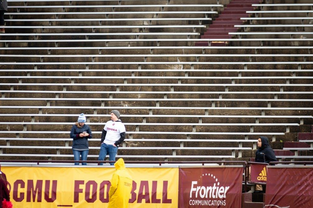 Central Michigan Life - Minimal crowd attends CMU, WMU rivalry