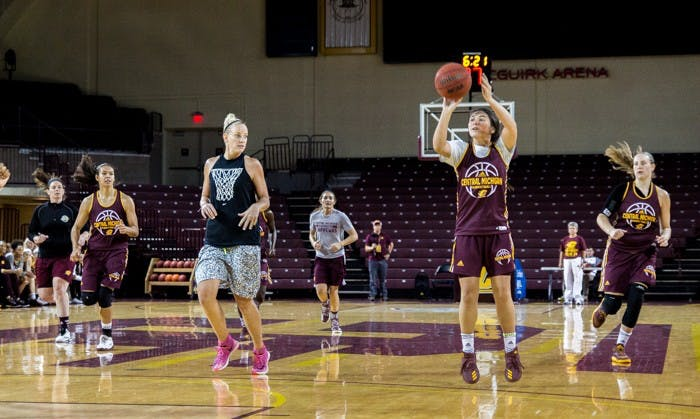 Women's BBall scrimmage 166