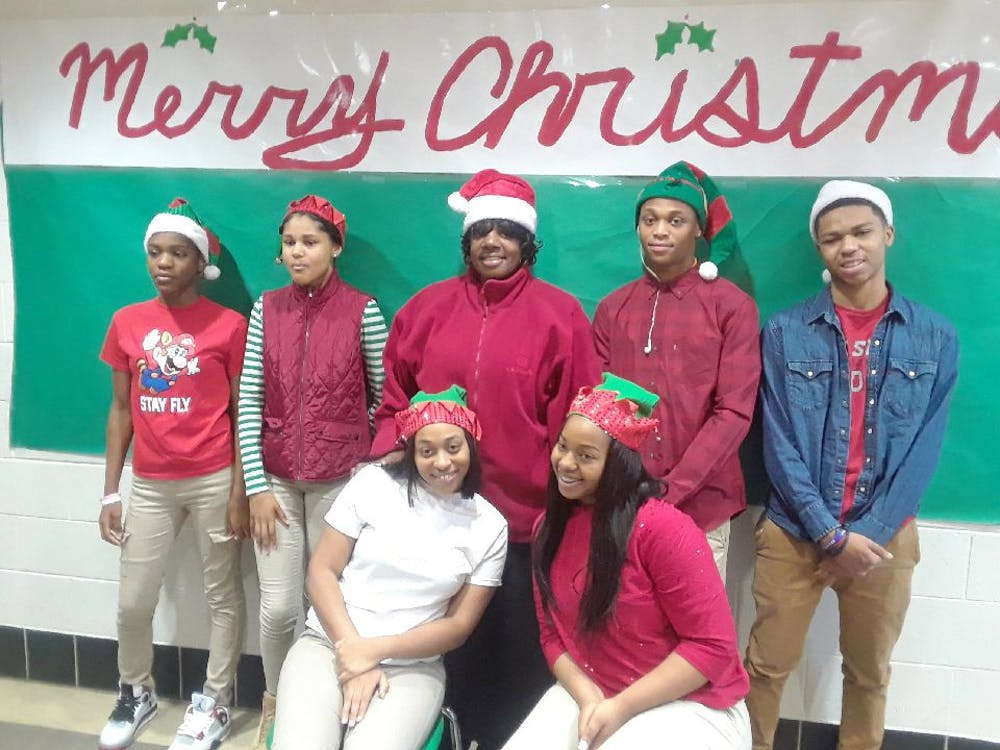 The Voice of the Ville's staff wishes everyone a Merry Christmas. Photo by Asianna Franklin.