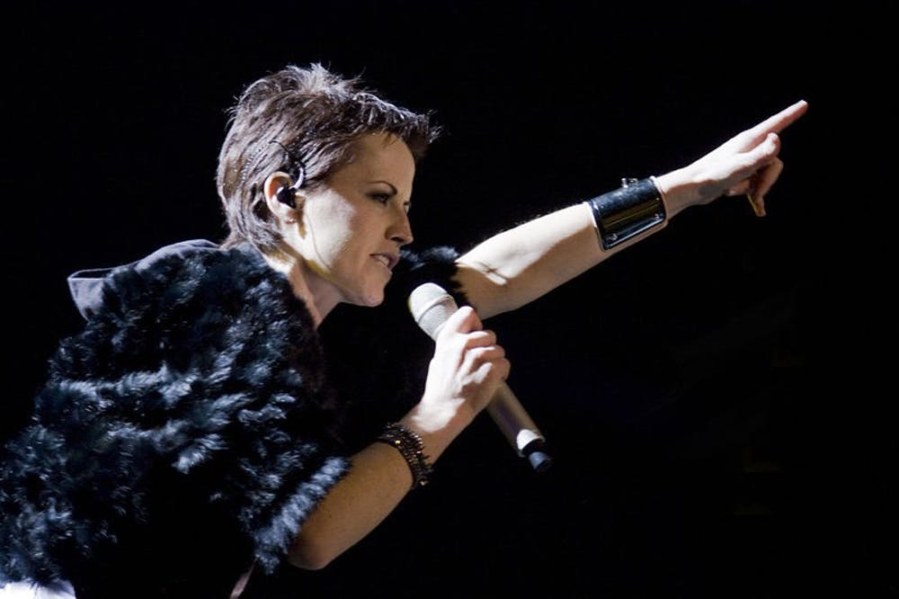 dolores-oriordan-the-cranberries-amarvudal.jpg