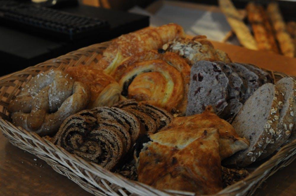 02042013_street_fooddrink_fourworldsbakery