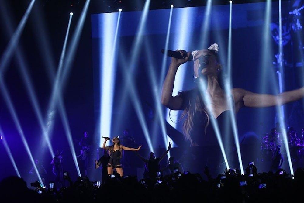 Ariana_Grande_-_The_Honeymoon_Tour_Live_Jakarta_(4).jpg