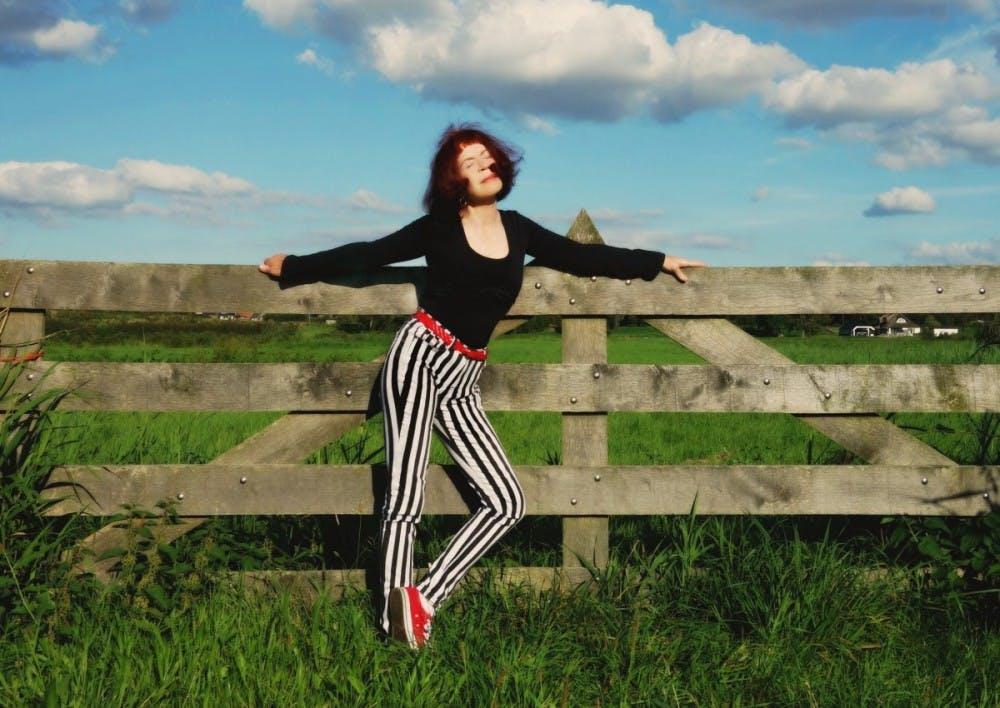 woman-model-fashion-pose-fashion-woman-fashion-model-style-stripes-517079-jpg-d