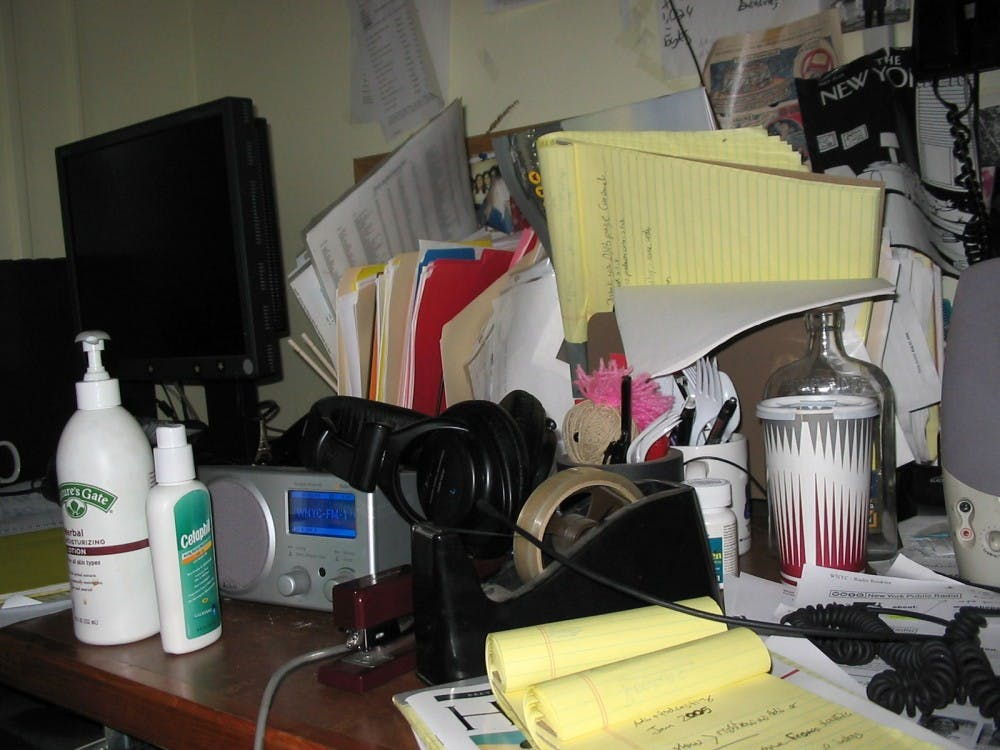 messy_desk
