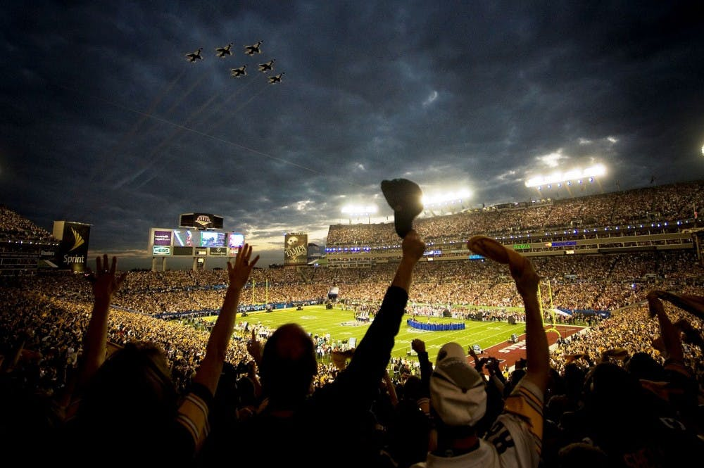 super_bowl_xliii__thunderbirds_flyover__feb_1_2009