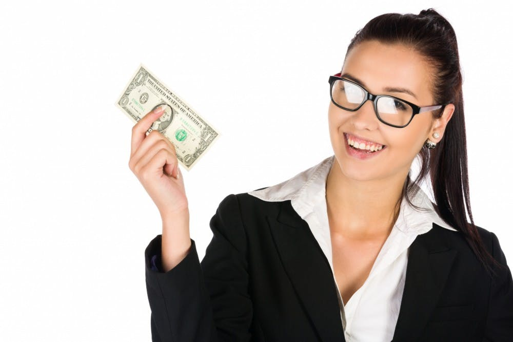 woman-holding-money-1543247637je4