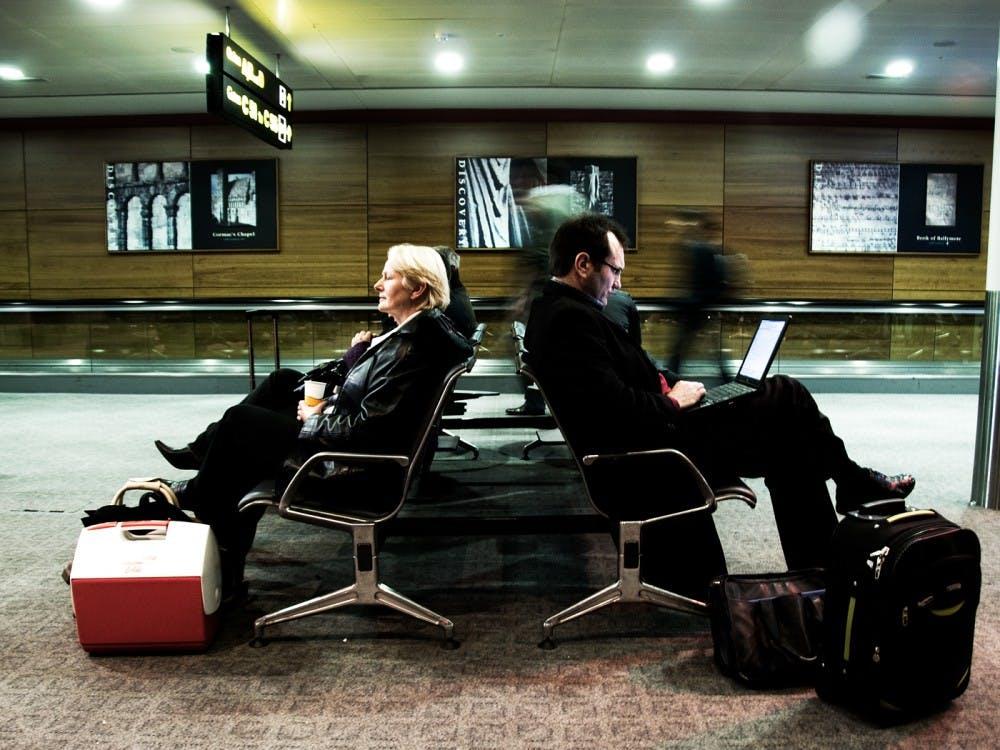 morning-at-the-dublin-airport-2094505702