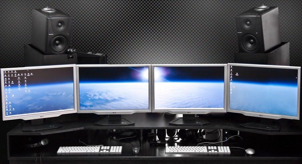 oto-godfrey-multi-screen-studio