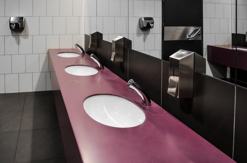wc_toilet_purely_public_toilet_bathroom_mirror_mirrors_sink989178