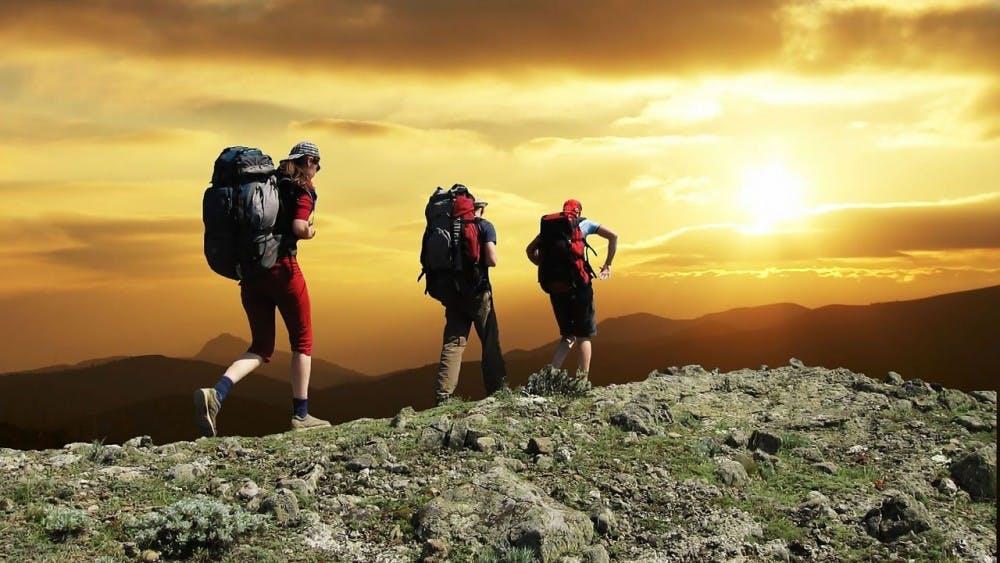 hikers1147796_1280