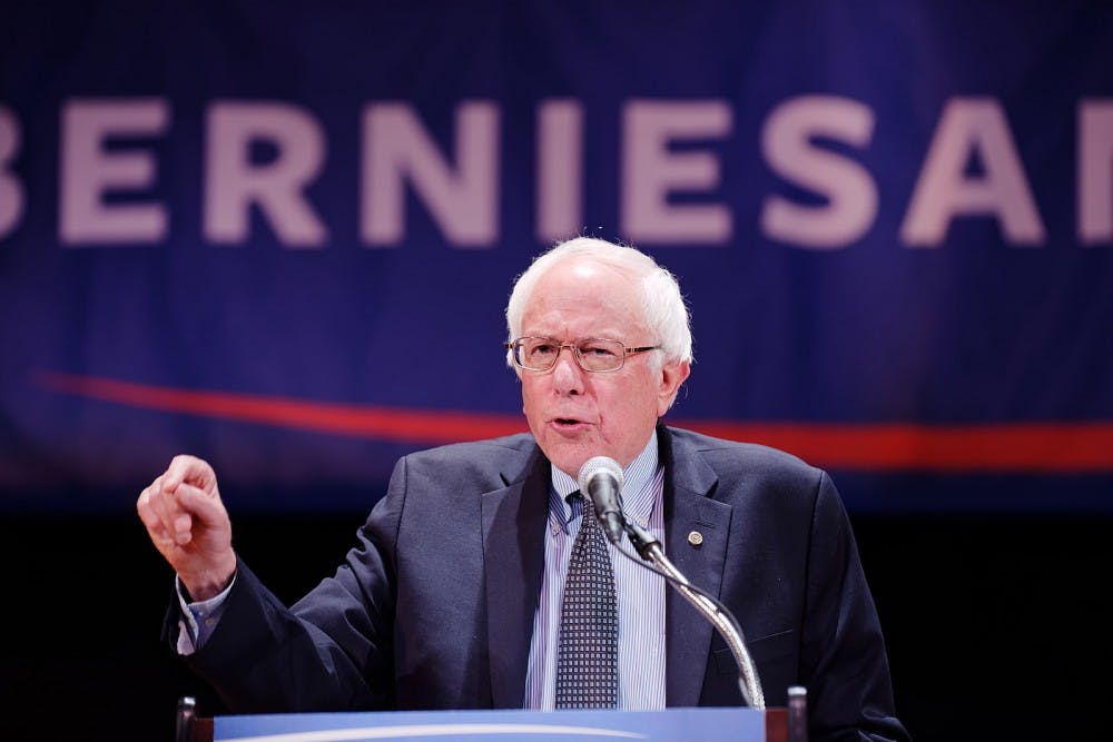 1599px-election-2016-bernie-sanders-nyc-fundraiser-draws-campaign-supporters-who-are-feelin-the-bern-21038307493