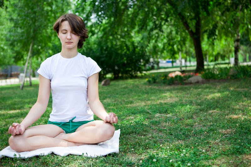 This Positive Psychology Professor Discovered How to Cure Coronavirus With Meditation